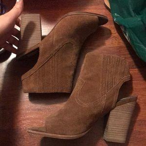 Dolce Vita peeptoe block heel